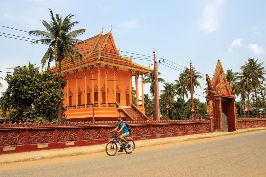 Radtour am Tempel in Phonm Penh Kambodscha