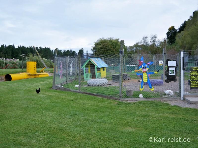 Farmyard Holiday Park Geraldine Spielplatz Streichelzoo