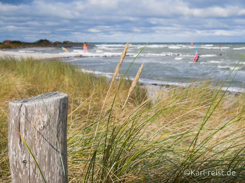 Heiligenhafen Strand beim Sturm Surfer