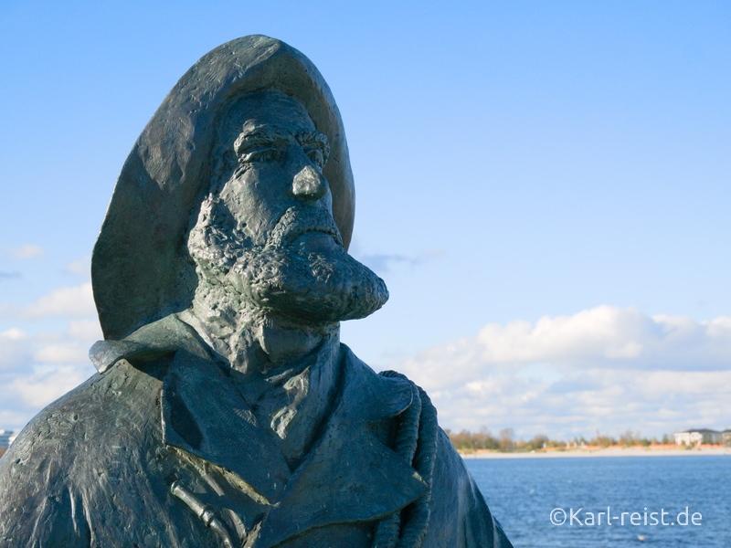 Heiligenhafen Fischerstatue