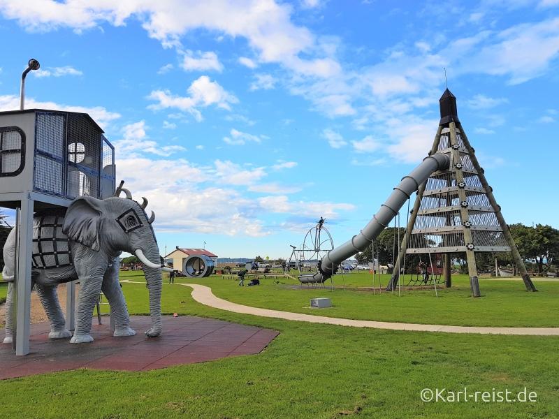 Rundreise Neuseeland Südinsel 3 Wochen Oamaru Spielplatz Playground