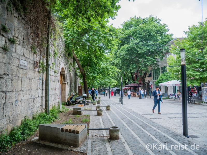 Fußgängerzone in Tirana