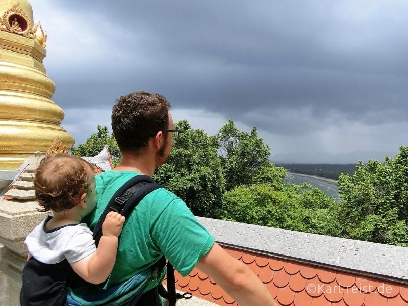 Bild Ausblick vom Wat Tang Sai Temple bei Ban Krut, Thailand. Meer, Strand Tempel